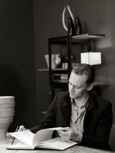 Tom Hiddleston at The 63 San Sebastian International Film Festival. Full size: http://ww3.sinaimg.cn/large/6e14d388gw1ewdzc6ezy7j20rs0ijgnb.jpg Source: Torrilla