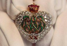 Elizabeth Talor's Jewelry to auction at Christie's