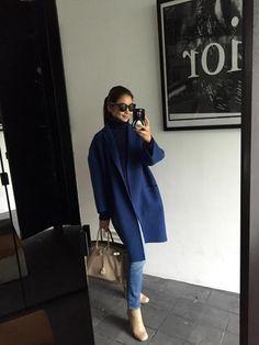 真似したい冬のコーディネート☆差し色コートにヌーディーカラーのブーツで軽さを出して♪