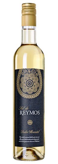 Sol de Reymos de Anecoop Bodegas, único vino dulce elegido como mejor Vino de Mujer https://www.vinetur.com/2014031414708/sol-de-reymos-de-anecoop-bodegas-unico-vino-dulce-elegido-como-mejor-vino-de-mujer.html