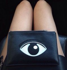 Eye print stitch design purse // #fashion #accessories
