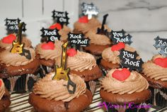 Rock & Roll Cupcakes - blog post http://victimofcupcakes.blogspot.com/
