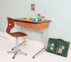 Oud schoolbankje + stoeltje