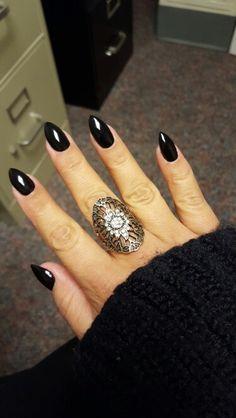 Black pointy nails – Care – Skin care , beauty ideas and skin care tips Black Pointed Nails, Pointy Nails, Black Almond Nails, Almond Shape Nails, Nails Shape, Cute Nails, My Nails, Witch Nails, Gothic Nails