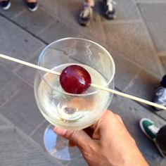 Pausa #bollicine #altrasimeno. foto di @giulianekorkina