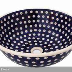 Die Tradition der handbemalten Keramik aus Boleslawiec (Bunzlau) ist 700 Jahre alt. Daher wird das handbemalte Waschbecken den Liebhaber dieses Stils sicherlich…