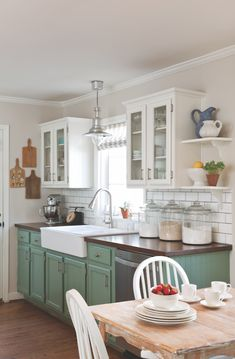 37 Stunning Kohler Farmhouse Sink Ideas To Improve Your Kitchen - BUILDEHOME Stunning Kohler Farmhouse Sink Ideas To Improve Your Kitchen 13 Always wanted to learn to knit, however uncertain the pl. Green Kitchen, Kitchen Redo, New Kitchen, Kitchen Dining, Kitchen Remodel, Kitchen Ideas, Cocina Shabby Chic, Painting Kitchen Cabinets, Home Organization