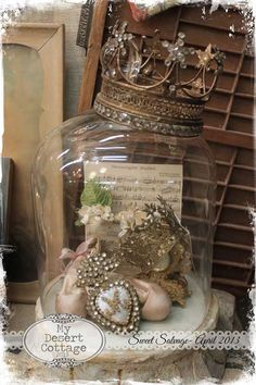 69 inspiring easter decorations ideas for the home 28 decorating shabby chic Shabby Vintage, Vintage Decor, Vintage Items, Glass Domes, Glass Jars, Couronne Shabby Chic, Cage Deco, Cloche Decor, The Bell Jar