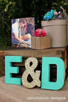 couples wedding shower decoration idea / http://www.himisspuff.com/kraft-paper-wedding-decor-ideas/3/