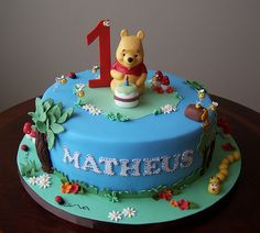 Winnie the Pooh cake by cakespace - Beth (Chantilly Cake Designs), via Flickr