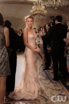 Serena Van Der Woodsen in the bridesmaid dress to end all bridesmaid dresses.