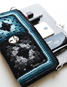 Transcendent Crochet a Solid Granny Square Ideas. Inconceivable Crochet a Solid Granny Square Ideas. Crochet Handbags, Crochet Purses, Crochet Bags, Crochet 101, Crochet Cross, Crochet Ideas, Granny Square Bag, Granny Square Crochet Pattern, Crochet Designs