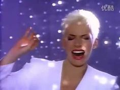Annie Lennox & Al Green - Put A Little Love In Your Heart [HQ] - YouTube