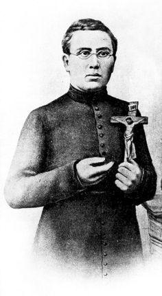 Pater Damiaan, geboren in Tremelo als Jozef De Veuster, zette zich als missionaris in voor de melaatsen in Molokai. De heiligverklaring komt er 120 jaar na zijn dood en 14 jaar na zijn zaligverklaring door Paus Johannes Paulus II. Pater Damiaan wordt de patroonheilige van de melaatsen en de aidspatiënten.