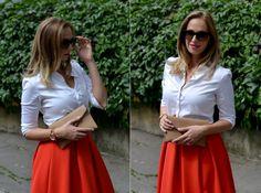 Red flared skirt, red heels, white shirt www.stylecookbook.cz