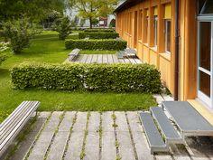 © extrā Landschaftsarchitekten -  Gotthelf school, Thun, 2008 Sidewalk, Culture, School, Landscape Architects, Projects, Side Walkway, Walkway, Walkways, Pavement