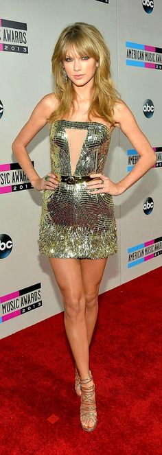 You cannot deny Taylor Swift and her incredibly shapely body Taylor Swift Legs, Photos Of Taylor Swift, Selena And Taylor, Taylor Swift Music, Taylor Alison Swift, Taylor Taylor, Beautiful Taylor Swift, Patricia Heaton, Sexy