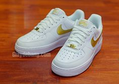 "Nike Air Force 1 Low ""Lizard"" - White / Metallic Gold"