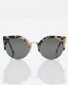 SUMMER SUNNIES  Cream and Black Imagens De Óculos, Usando Óculos, Moda  Retrô, f256f5865d
