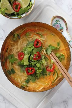 A really quick and easy vegetable laksa recipe, perfect for a healthy and delicious lunch for busy parents! A really quick and easy vegetable laksa recipe, perfect for a healthy and delicious lunch for busy parents! Lunch Recipes, Gourmet Recipes, Asian Recipes, Vegetarian Recipes, Healthy Recipes, Vegetarian Laksa, Vegetarian Dinners, Dinner Recipes, Ayurveda