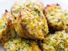 muffins salados broccoli 1 Beignets, Healthy Life, Healthy Snacks, My Favorite Food, Favorite Recipes, Broccoli Bites, Deli Food, Vegetarian Recipes, Healthy Recipes