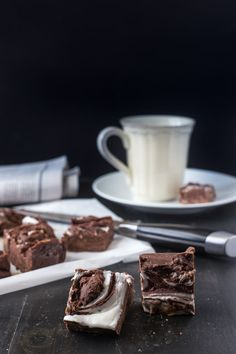 Break out the Peppermint Chocolate Fudge for a quick holiday treat. It's also perfect as an edible gift. #IDelight