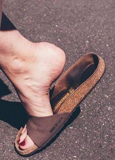 Flip Flop Sandals, Flip Flops, Most Comfortable Sandals, Women's Feet, Birkenstock, Wedges, How To Wear, Shoes, Fashion