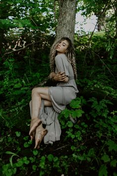 Get inspired by this fashion editorial photoshoot taken in the woods in the summer during golden hour!