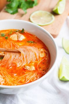Hearty, spicy and extra fast – -Spicy Thai Chicken Soup - cooking carousel - Thai Chicken Soup. Hearty, spicy and extra fast – - Rich and creamy vegan pumpkin soup. Asian Recipes, Mexican Food Recipes, Vegetarian Recipes, Cooking Recipes, Healthy Recipes, Healthy Food, Thai Recipes, Crockpot Recipes, Thai Chicken