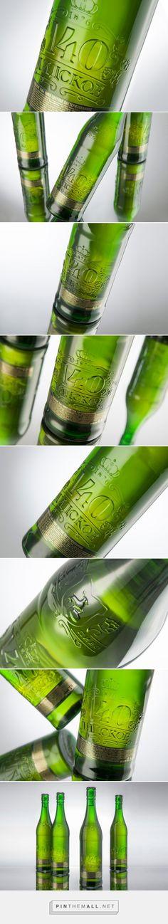 Lidskoe 140 beer packaging design by AIDA Pioneer - http://www.packagingoftheworld.com/2016/11/lidskoe-140-from-aida-pioneer.html - created via https://pinthemall.net