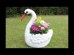 DIY Wunderschöner Schwanen-Blumentopf für den Garten/Beautiful swan flower pot for the garden - YouTube