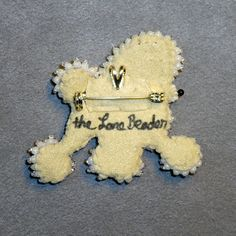 MINIATURE POODLE pin white beaded keepsake dog от thelonebeader