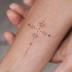 Tiny Tattoos For Girls, Small Heart Tattoos, Small Tats, Karten Tattoos, Small Compass Tattoo, Retro Tattoos, Finger Tats, Memorial Tattoos, Diy Tattoo