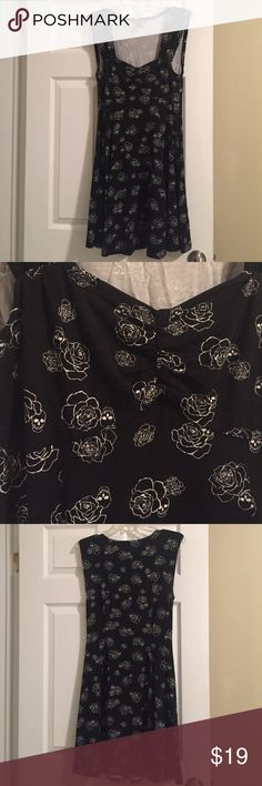 Hot topic rockabilly skull rose black dress Black skull rose print dress. Stretchy and cinched in the front. Worn once Hot Topic Dresses Mini