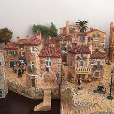 MINIATURES-VILLAGE-HOUSES-J-CARLTON-DOMINIQUE-GAULT-BUILDINGS-FRENCH-PROVENCE