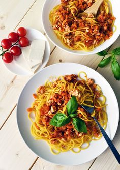 Wegetariańskie spaghetti - Anna Lewandowska - healthy plan by Ann Tofu, Pasta Recipes, Spaghetti, Ann, Keto, Vegetarian, Vegan, Healthy, Ethnic Recipes