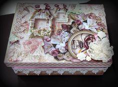 Caixa em MDF decorada em shabby chic.