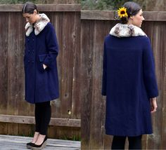 1960s vtg sz medium navy wool coat// UNBRANDED fur collar coat //Fauxy Furr Vintage wc25-010515c by FauxyFurrVintage on Etsy
