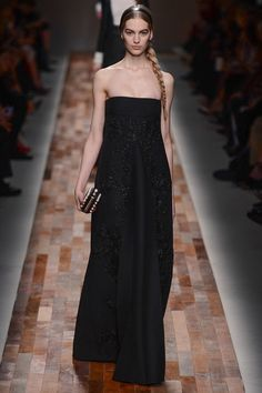 Valentino Fall 2013 Ready-to-Wear Collection Slideshow on Style.com