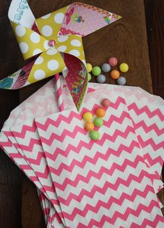 20 Pink Chevron Favor Bags by GlitterDaisyShop on Etsy, $5.50