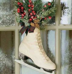 Easy DIY Christmas Crafts for Kids  - Ice Skate Wreath - Click pic for 45 Budget Friendly Holiday Decor Ideas