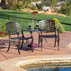 The Sarasota adjoining chairs are a beautiful and unique addition for your outdoor decor. Made from cast aluminum, this piece is made up of two chairs conveniently attached to a center table.