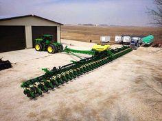 Anyone got a barn big enough? Antique Tractors, Vintage Tractors, Vintage Farm, Old Farm Equipment, John Deere Equipment, Heavy Equipment, Farm Day, New Farm, Jd Tractors