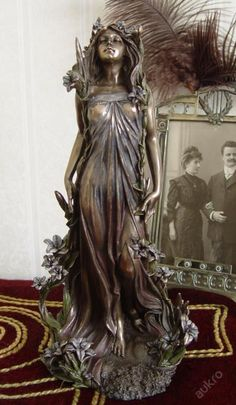 Beautiful Art Nouveau sculpture, Alphonse MUCHA-Lily