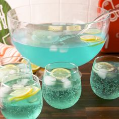 Cocktails for a Crowd: 12 Pitcher Drinks for Your Next Party Best Non Alcoholic Drinks, Blue Alcoholic Punch, Alcoholic Shots, Alcoholic Desserts, Alcohol Drink Recipes, Party Drinks Alcohol, Summer Drink Recipes, Liquor Drinks, Sangria Recipes