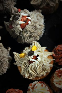 wolf cupcakes :)