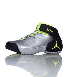 JORDAN Carmelo Anthony Mens mid top sneaker Lace up closure JORDAN jumpman logo on sole Cushioned sole for comfort
