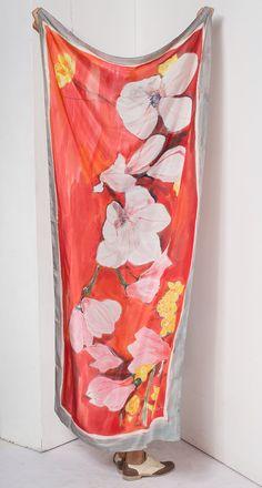 Scarlet Magnolias seda del mantón pintado a mano / Lujoso klaradar por