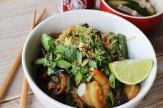 Culy Homemade: noodles met gamba's, sugar snaps en koriander