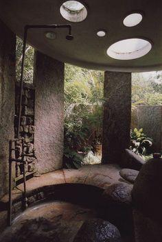 Moon to Moon: round window shower room